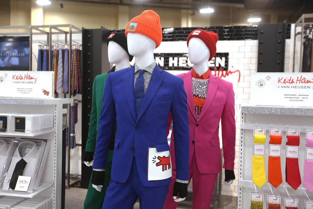 Trajes que forman parte de la colaboración entre Van Heusen y el artista pop, Keith Haring, en el stand de Van Heusen en la feria de moda MAGIC en el Mandalay Bay Convention Center en Las Vegas, ...