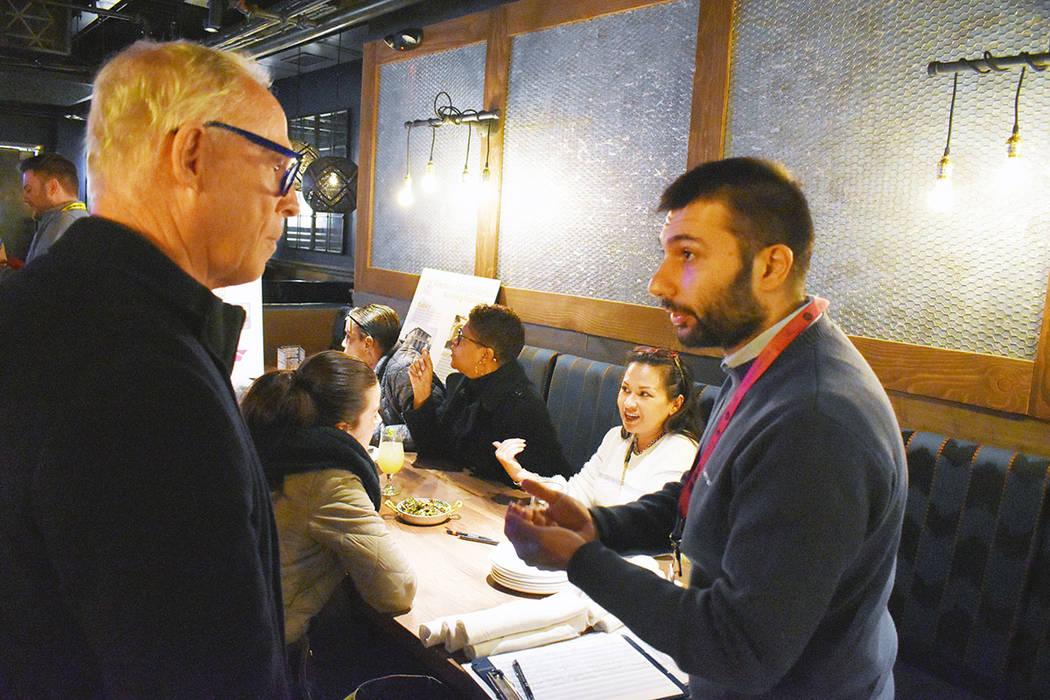 Lorenzo Mastino, derecha, ofreció valiosa información sobre el código basado en formularios y lo que significa para el Fremont East District. Miércoles 6 de febrero de 2019, en Eureka! Descubr ...