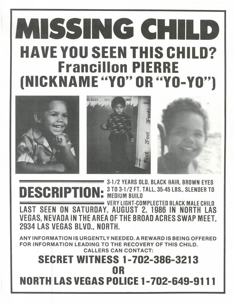 Un póster de un niño desaparecido para Francillon Pierre, 3, que desapareció el 2 de agosto de 1986, en North Las Vegas.