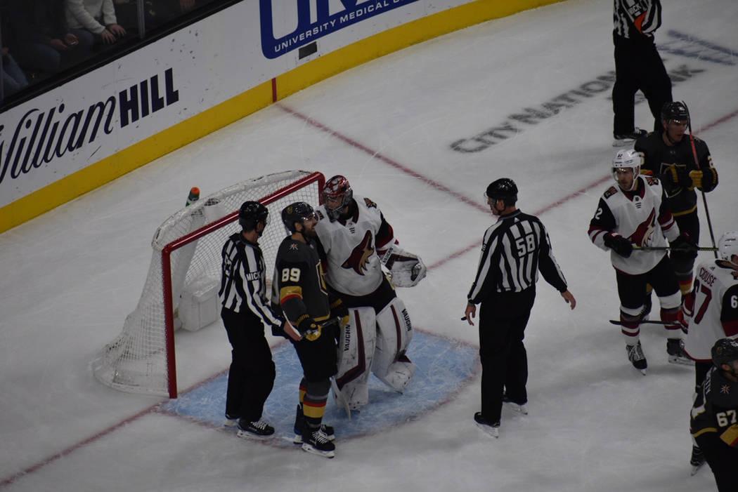 Vegas Golden Knights perdieron en casa ante Arizona Coyotes, en juego disputado el martes 12 de febrero en el T-Mobile Arena de Las Vegas. Foto Anthony Avellaneda / El Tiempo.
