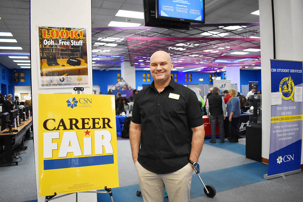 """Amazon, Nike, GES Global Experience Specialists y MGM Resorts International son sólo algunas de las docenas de posibles empleadores que estuvieron presentes en """"CSN Career Fairs"""" 2019 del Col ..."""