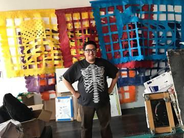 Justin Favela, de origen guatemalteco y mexicano, fue el primer artista en beneficiarse de las bondades del programa de Residencia a Artistas de Juhl. Foto Cortesía.