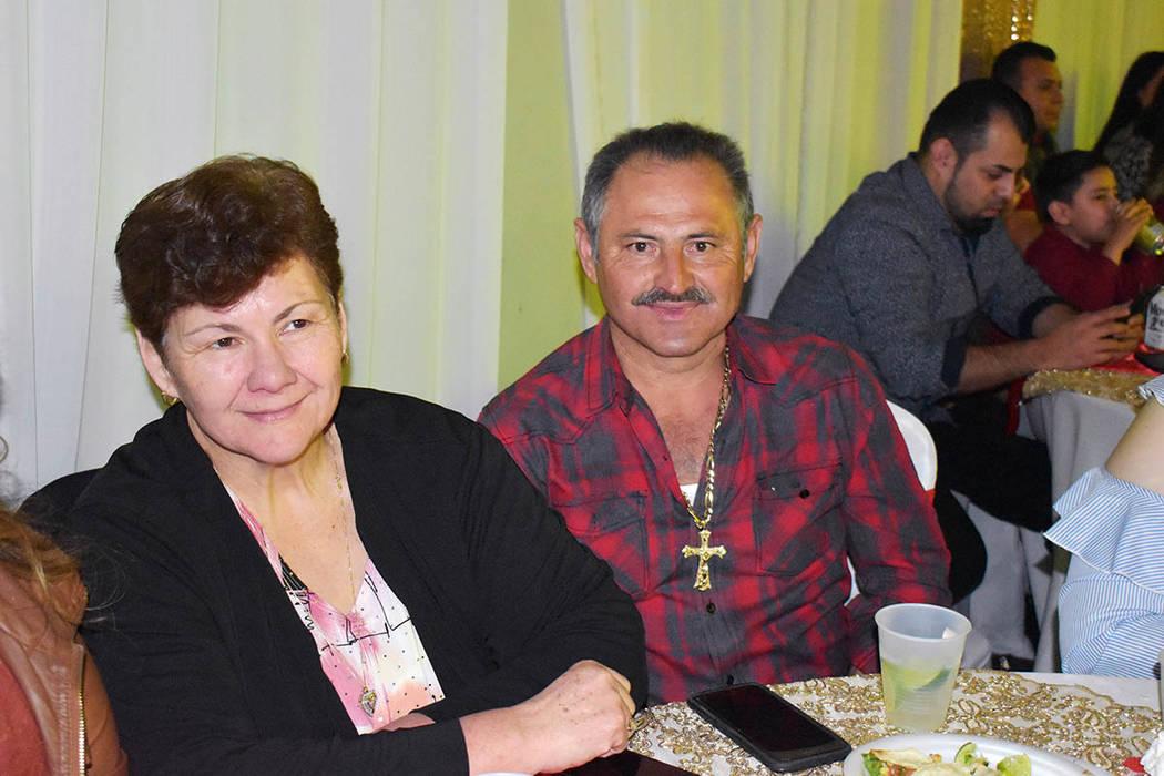 Sóstenes Mendoza, orgullo de Jilotlán de los Dolores, Jalisco, llevó a su esposa -de muchos años- Rebeca, a celebrar la primera Gran noche de San Valentín en Las Vegas. Viernes 15 de febrero ...