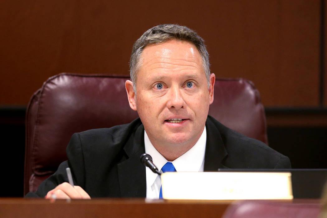El asambleísta Michael Sprinkle, D-Sparks, hace una pregunta durante una reunión del Comité de Educación en el edificio legislativo en Carson City el miércoles 6 de febrero de 2019. (K.M. Can ...