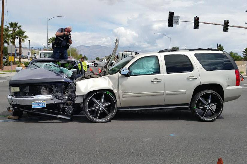 Cortesía del Departamento de Policía de North Las Vegas. Los investigadores dijeron que Clay Stampley conducía un Dodge Dakota hacia el sur por Simmons Street cuando una GMC Yukon registrada a ...
