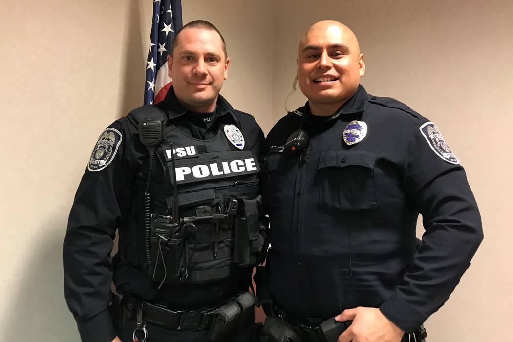 Rob Sherburne, a la izquierda e Israel Molina, policías de North Las Vegas. (Cortesía)