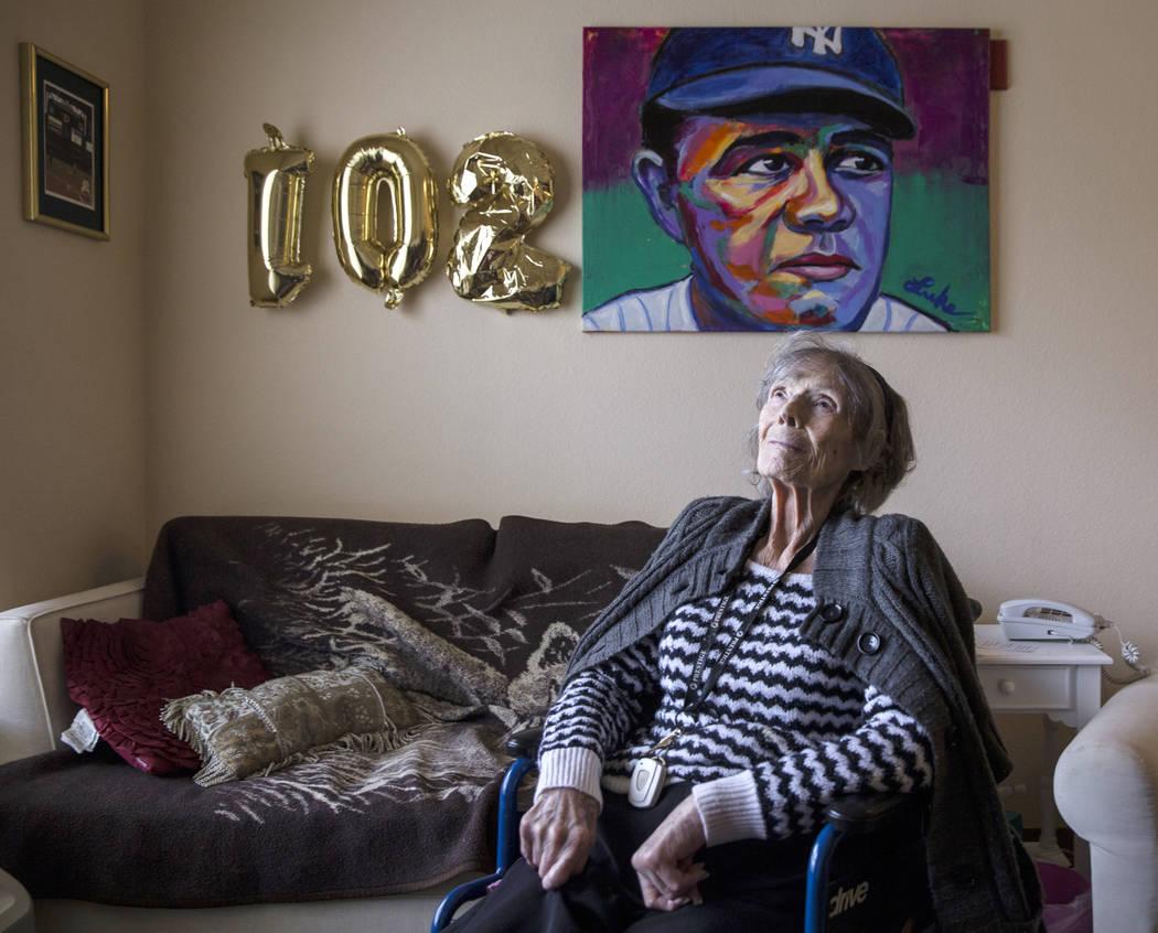 Julia Ruth Stevens, de 102 años, hija del Yankee de NY, Babe Ruth, del Salón de la Fama, el sábado 2 de febrero de 2019 en la casa de Stevens, en Henderson. (Benjamin Hager / Las Vegas Review-J ...