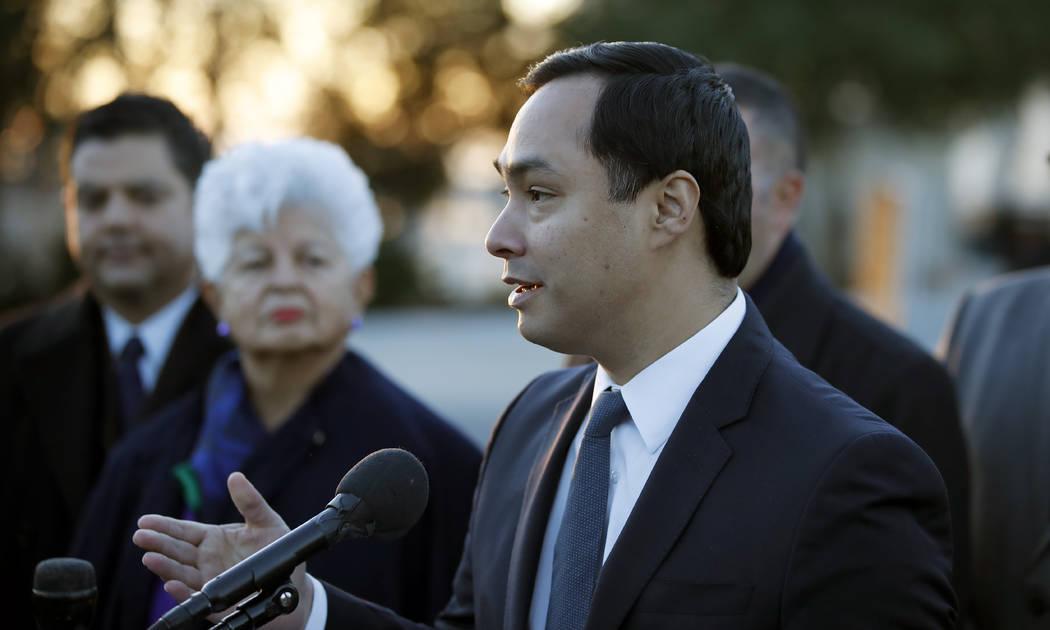 El vicepresidente del Comité Hispano del Congreso, el Representante Joaquín Castro, D-Texas, habla sobre el programa de Acción Diferida para los Llegados en la Infancia (DACA) durante una confe ...