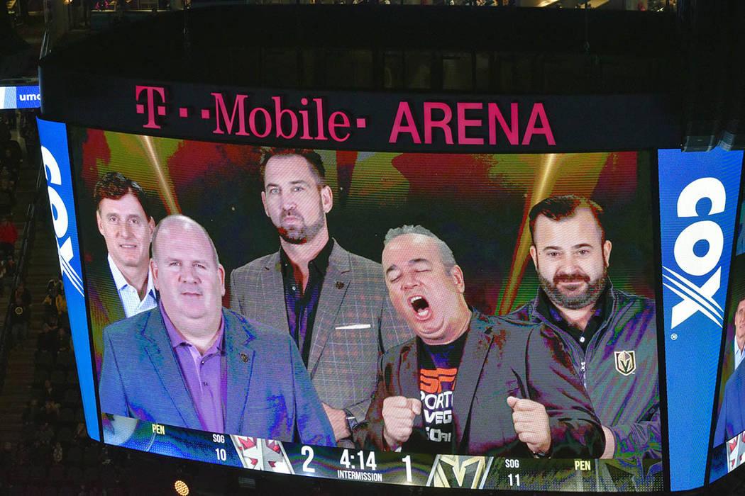 """Los juegos de Vegas Golden Knights son narrados en español por Jesús """"El Ocotlán"""" López. Viernes 22 de febrero de 2019 en la arena T-Mobile. Foto Frank Alejandre / El Tiempo."""