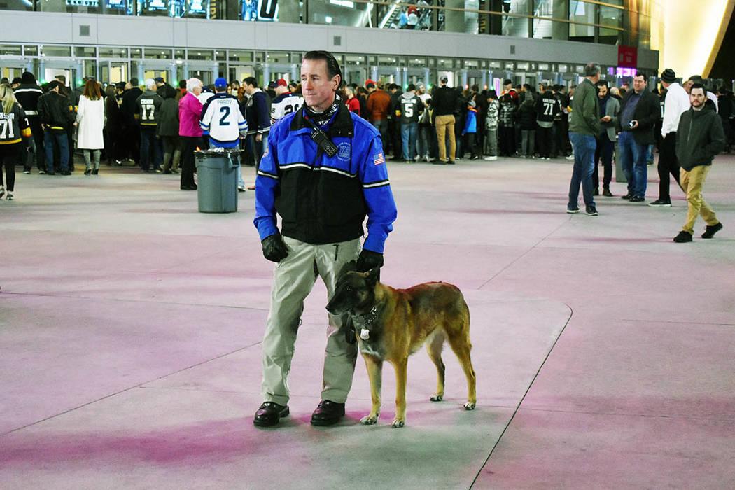 La seguridad en los alrededores y al interior del inmueble son evidentes, las autoridades se preocupan por la integridad física de los aficionados. Viernes 22 de febrero de 2019 en la arena T-Mob ...