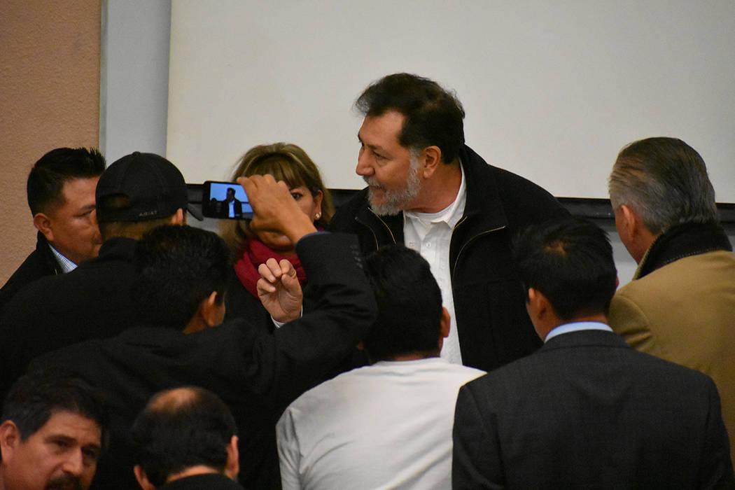 Los asistentes se dividieron en diferentes comités para abordar temas específicos, mientras que los legisladores mexicanos se acercaban a escucharlos. Sábado 23 de febrero de 2019 en UNLV. Foto ...