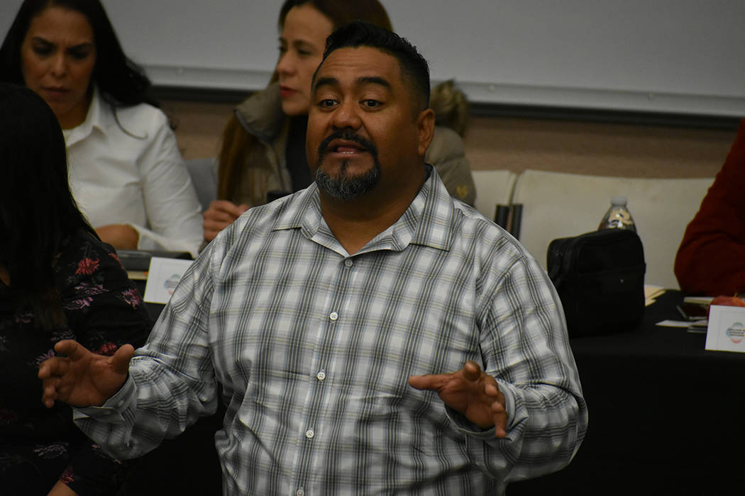 """""""La coalición de migrantes somos todos nosotros"""": Cuauhtémoc Sánchez –miembro de la Coalición de Migrantes Mexicanos en Las Vegas. Sábado 23 de febrero de 2019 en UNLV. Foto Anthony Ave ..."""