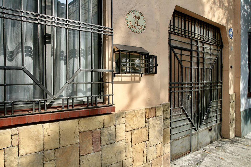 México, 24 Feb 2019 (Notimex-Javier Lira).- La calle de Tepeji, en la colonia Roma, poco a poco se ha convertido en un emblema de la Ciudad de México, ya que es visitada por nacionales y extranj ...