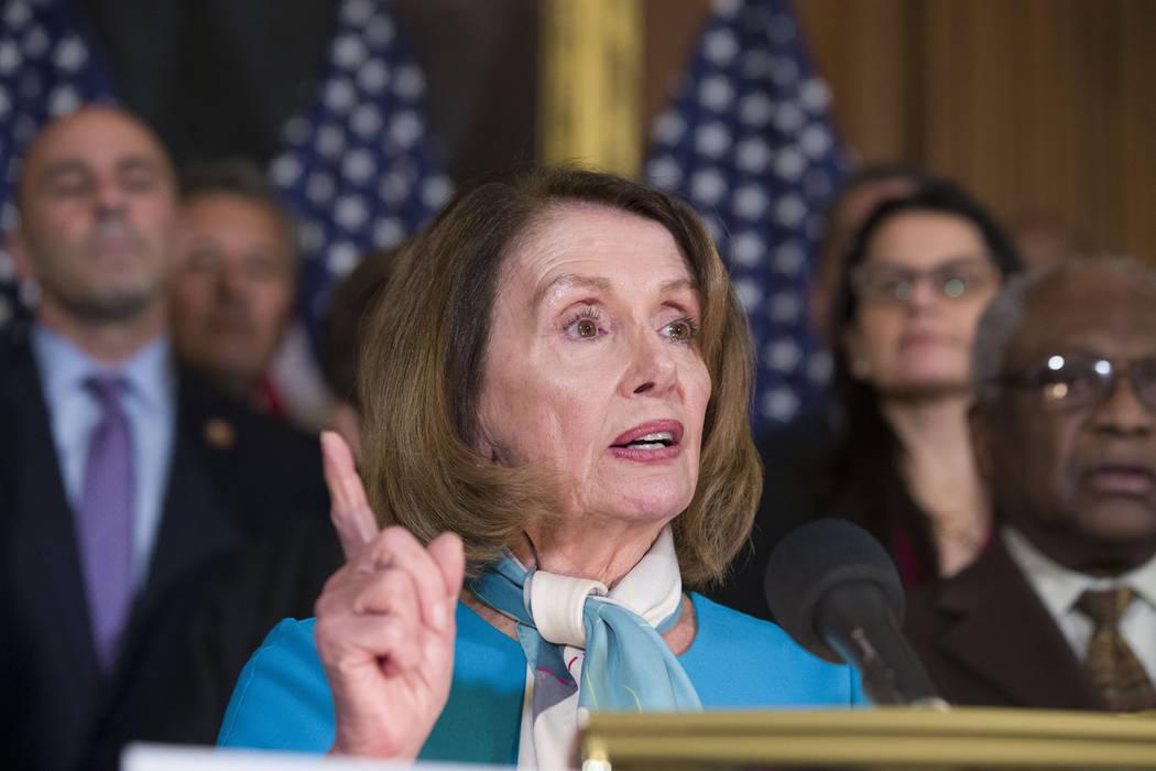 La presidente de la Cámara de Representantes, Nancy Pelosi, de California, habla sobre una resolución para bloquear la declaración de emergencia de seguridad en la frontera del presidente Donal ...