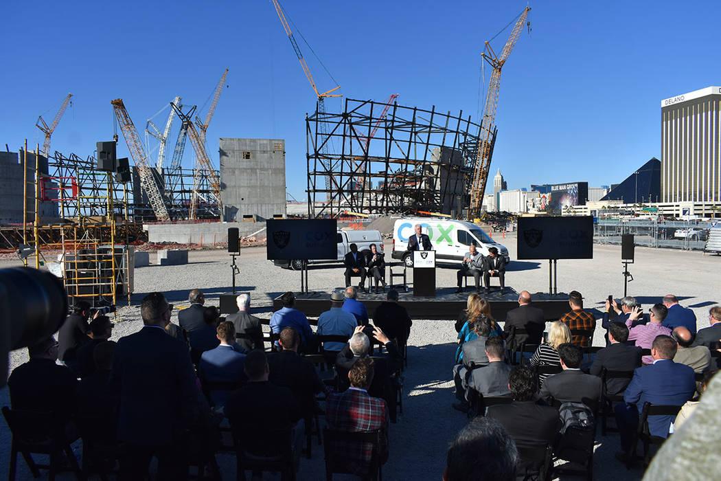 El nuevo estadio de Las Vegas contará con internet de alta velocidad para los aficionados y personal operativo. Jueves 28 de febrero de 2019 en la explanada del sitio de construcción del Estadio ...