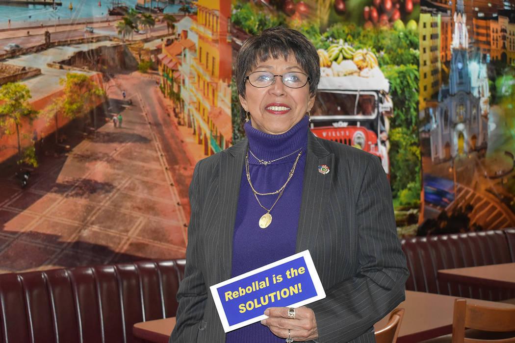 Margarita Velázquez Rebollal es la única aspirante latina en la contienda por el Distrito 1 del Concejo de Las Vegas. Viernes 1 de marzo de 2019 en el restaurante 'Oiga, Mire, Vea'. Foto Ant ...