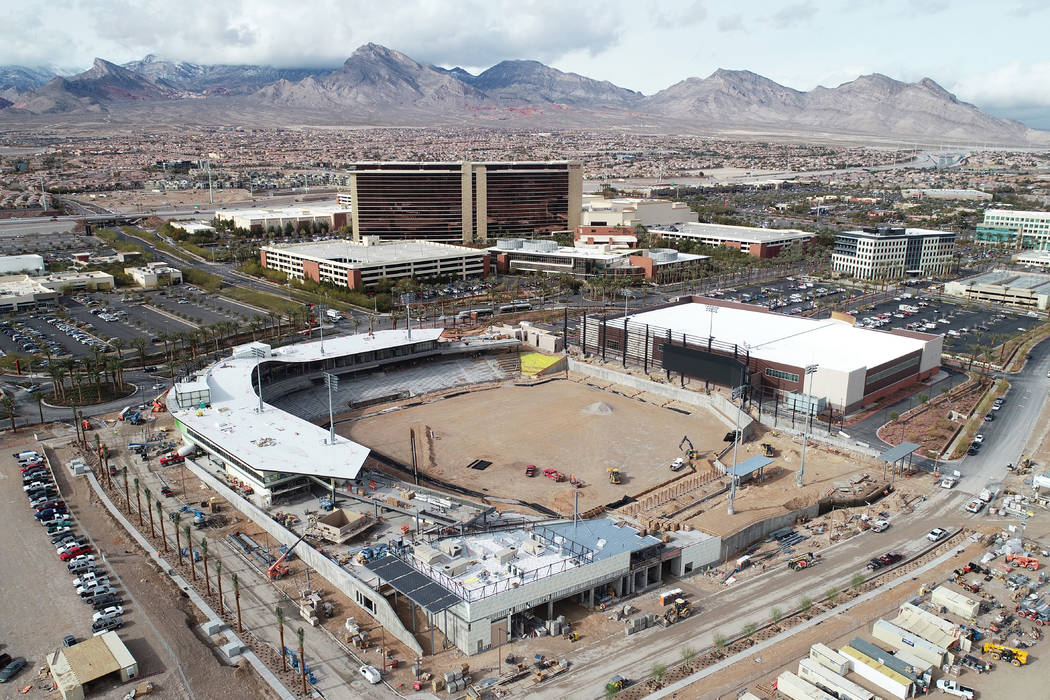 El estadio de béisbol de Las Vegas en Summerlin se muestra en construcción en esta foto aérea tomada el 16 de enero de 2019. (The Howard Hughes Corporation)