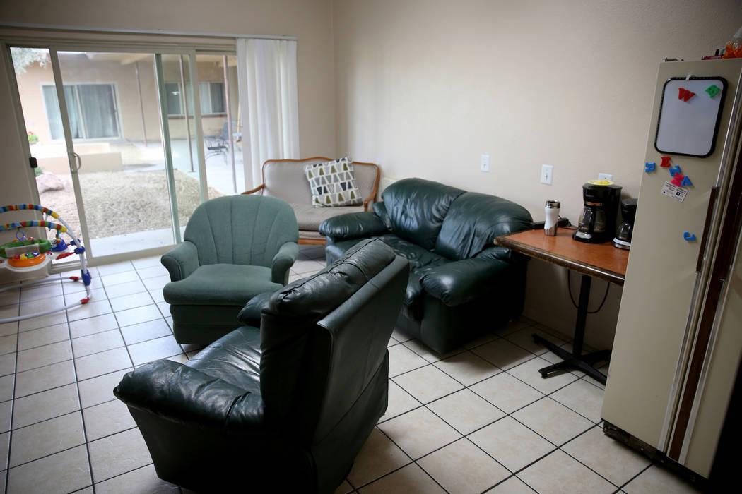 """Un área de sala de estar en la nueva área de vivienda de transición, denominada """"Second Chance Wing"""", en el campus de mujeres y niños de WestCare Nevada en Las Vegas el miércoles 6 de marzo d ..."""