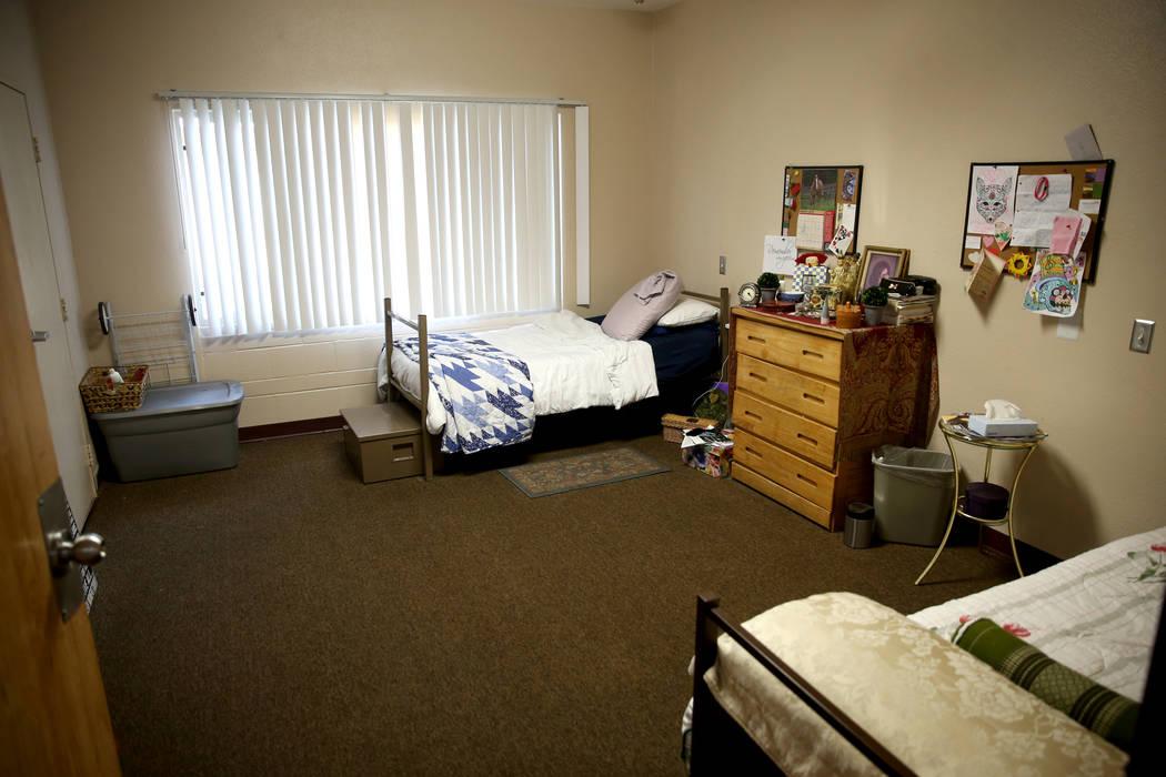 """Un dormitorio en la nueva área de vivienda de transición, llamada """"Second Chance Wing"""", en el campus de mujeres y niños de WestCare Nevada en Las Vegas el miércoles 6 de marzo de 2019. (K.M. C ..."""