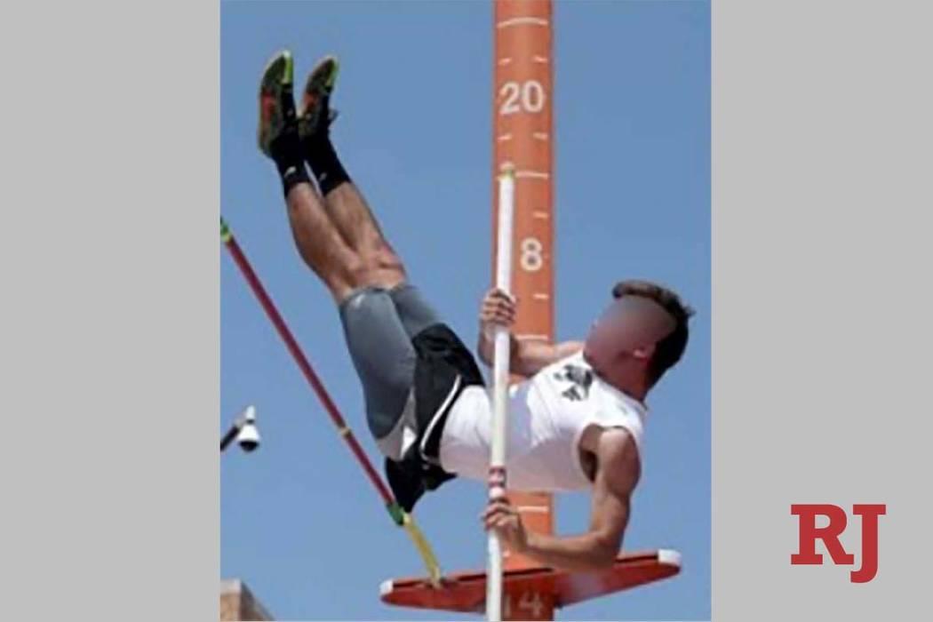 Esta foto se presentó con un perfil de atleta para el hijo de Elisabeth Kimmel, que estaba solicitando admisión en la Universidad del Sur de California, pero que representa a otra persona. La fo ...