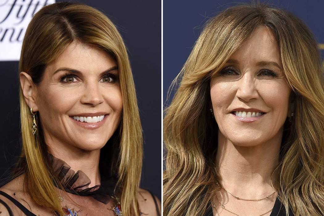 Las actrices Lori Loughlin, a la izquierda y Felicity Huffman se encuentran entre las cerca de 50 personas acusadas de un escándalo de sobornos en ingresos a universidades. Ambas fueron acusadas ...