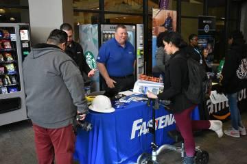 Más de 35 agencias y empresas ofrecieron puestos de trabajo en el evento 'CSN's Spring Career Fair'. Miércoles 13 de marzo de 2019 en CSN, campus Cheyenne. Foto Anthony Avellaneda / El Tiempo.