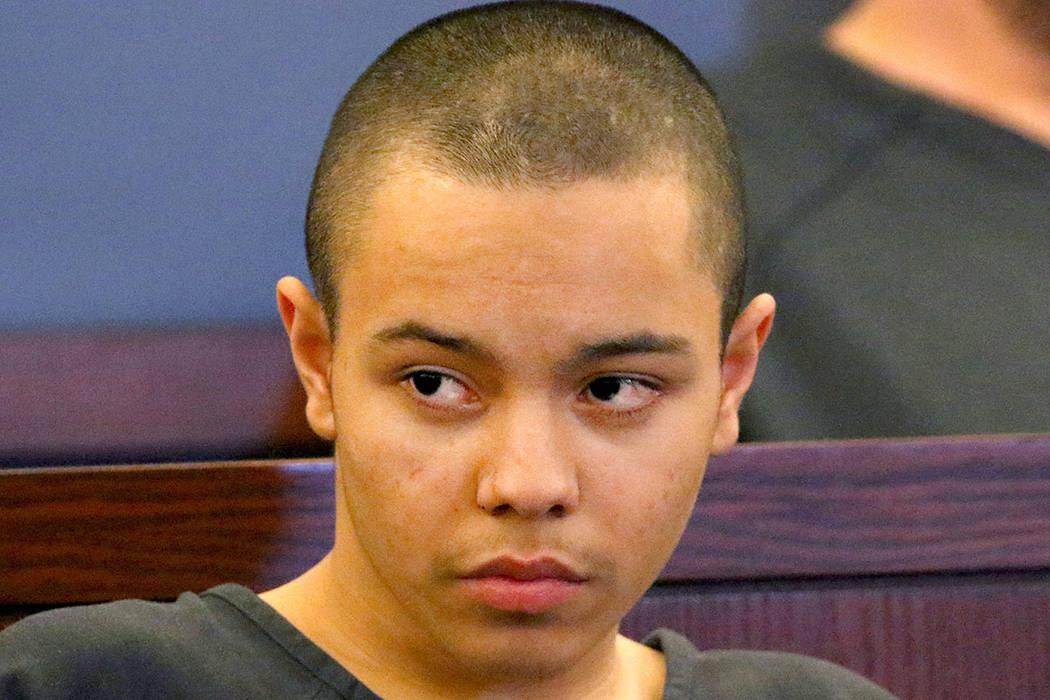 Miguel Magallón, de 14 años, comparece ante el tribunal en el Centro Regional de Justicia el miércoles 13 de marzo de 2019, en Las Vegas. Magallón fue arrestado bajo sospecha de asesinato en l ...