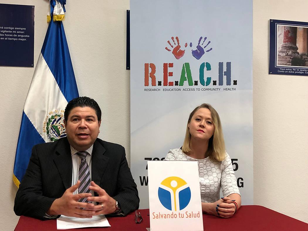 Tirso Sermeño, cónsul de El Salvador en Las Vegas y Rebeca Aceves, directora de REACH, anunciaron la apertura de una Ventanilla de Salud. Lunes 11 de marzo de 2019 en el Consulado de El Salvador ...