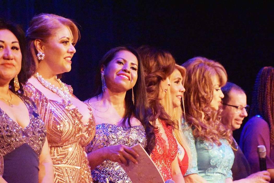 Lily Tejeda, tercera desde la izquierda, fue parte de conductores de la final del certamen de la Organización de Talentos Independientes en Las Vegas. Sábado 16 de marzo de 2019 en el Centro Cul ...