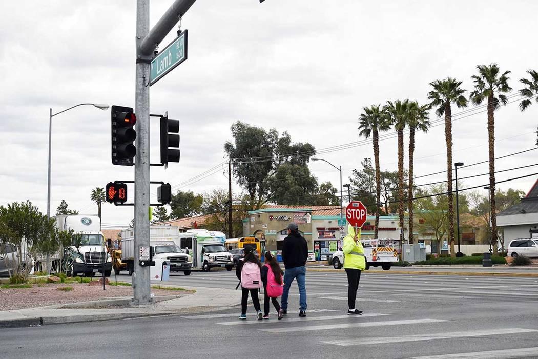 """Escuelas del CCSD celebraron """"Nevada Moves Day"""". El evento motiva a los estudiantes para qu ..."""