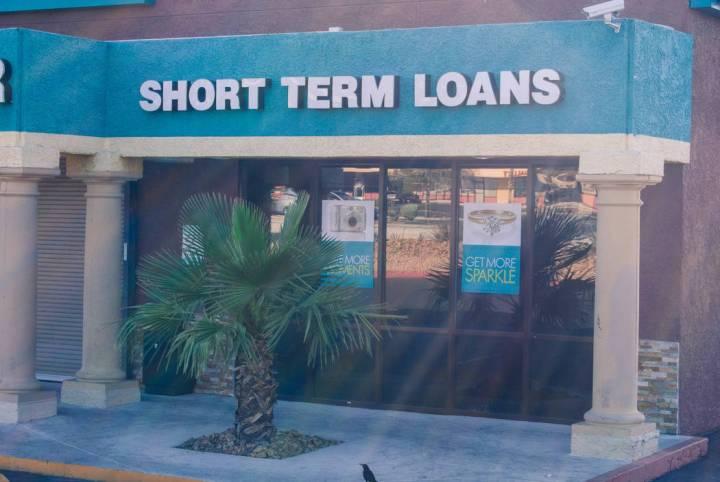 Una tienda de préstamo de día de pago se ve en West Charleston Avenue en Las Vegas el miércoles 1 de junio de 2016. (Foto de archivo del Las Vegas Review-Journal)