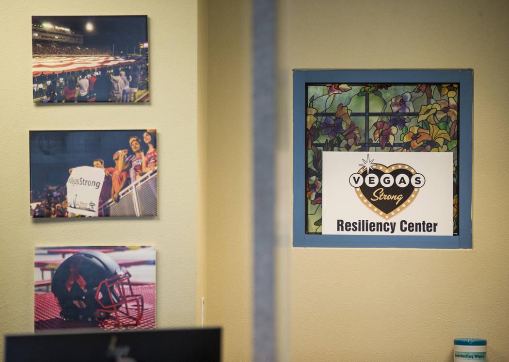 Letreros e imágenes que decoran el Centro de Resistencia Vegas Strong en Las Vegas el 31 de julio de 2018. Chase Stevens Las Vegas Review-Journal @csstevensphoto