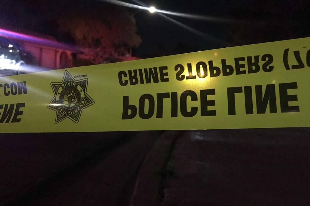 La policía de Las Vegas está investigando el asesinato de una persona y el aparente intento de suicidio de otra en el valle central. (Lukas Eggen / Las Vegas Review-Journal)