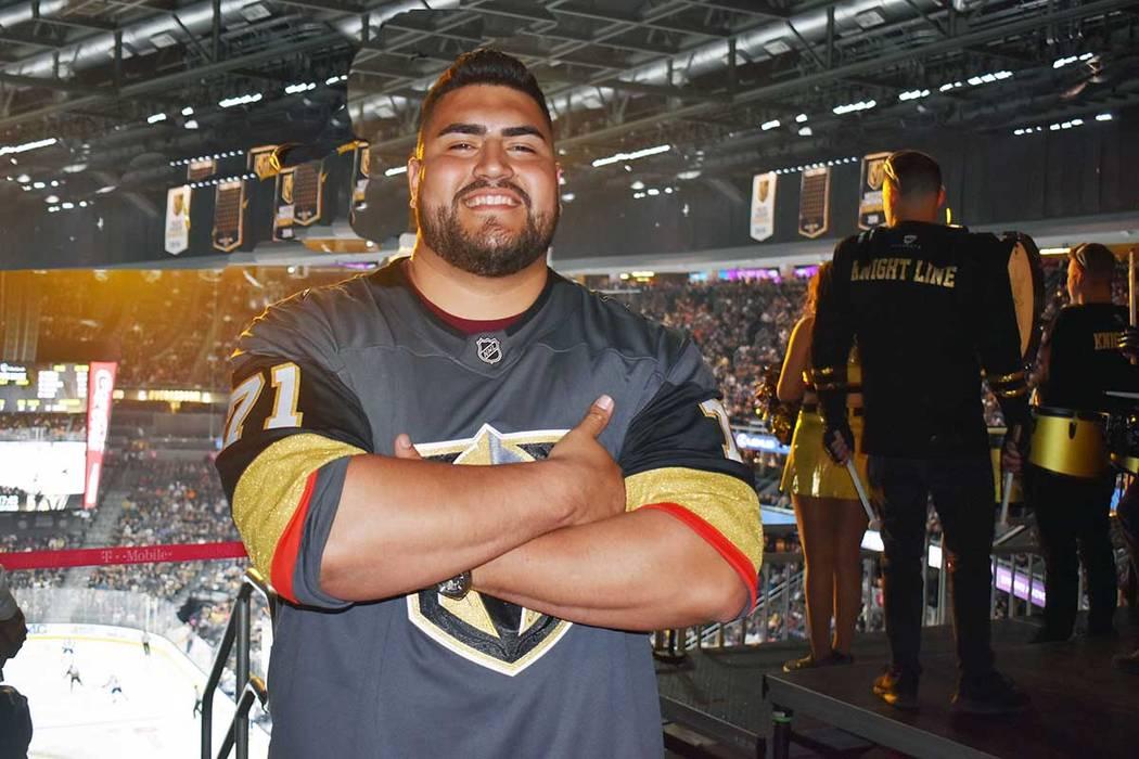 Will Hernández nació en Las Vegas y egresó de Chaparral High School, luego firmó un lucrativo contrato con los Gigantes de Nueva York, una de las escuadras más competitivas de la NFL. En esta ...