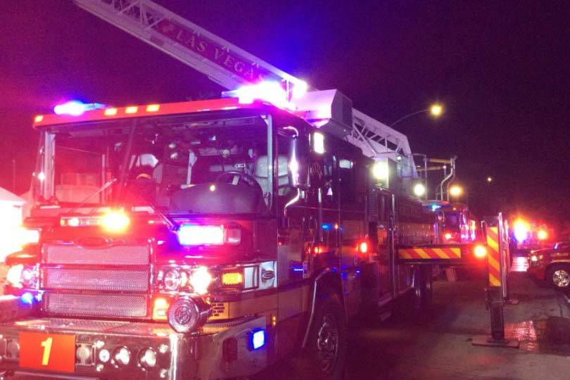 Una persona murió y otra resultó herida por un incendio en 721 N. 1st St., el miércoles temprano, 27 de marzo de 2019. (Departamento de Bomberos de Las Vegas)