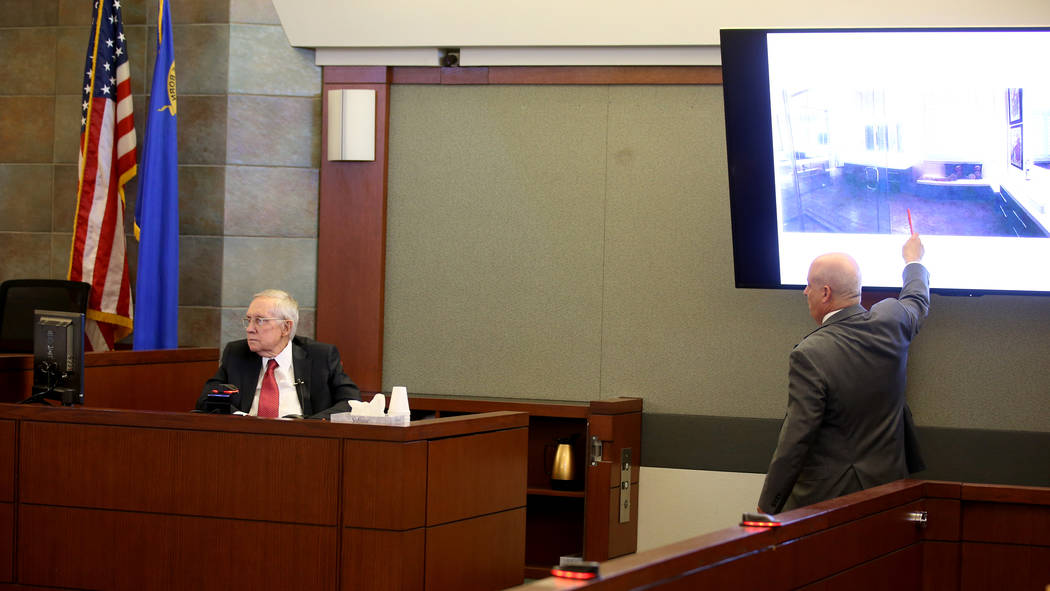 El ex senador estadounidense, Harry Reid, fue interrogado por el abogado, Laurin Quiat, en la s ...
