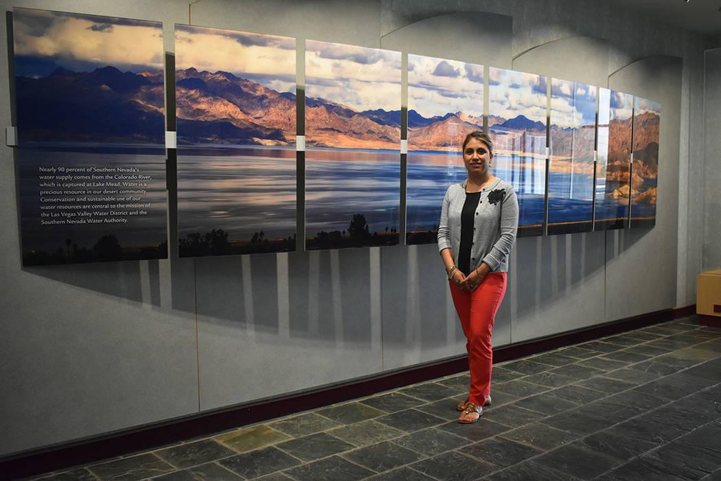 La coordinadora de información pública de SNWA, Diana Díaz, recibió a El Tiempo en su ofici ...