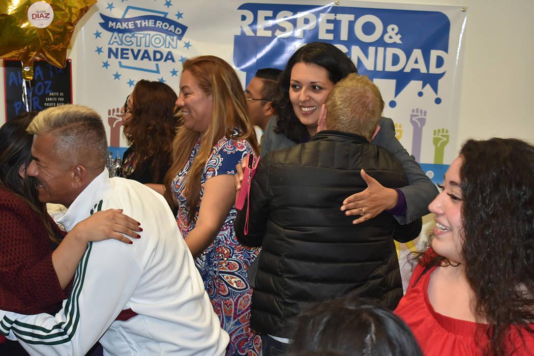 Simpatizantes de Olivia Díaz celebraron su triunfo en la elección primaria. Martes 2 de abril ...