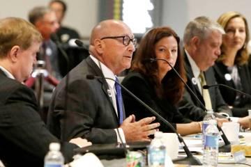 Rossi Ralenkotter, segundO a la izquierda, entonces presidente y CEO de la LVCVA, habla mientra ...