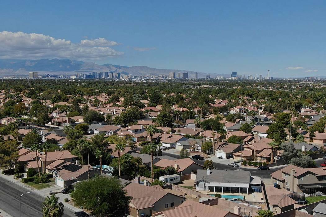 La Asociación de Agentes de Bienes Raíces de Las Vegas, dijo que 2 mil 621 casas unifamiliare ...