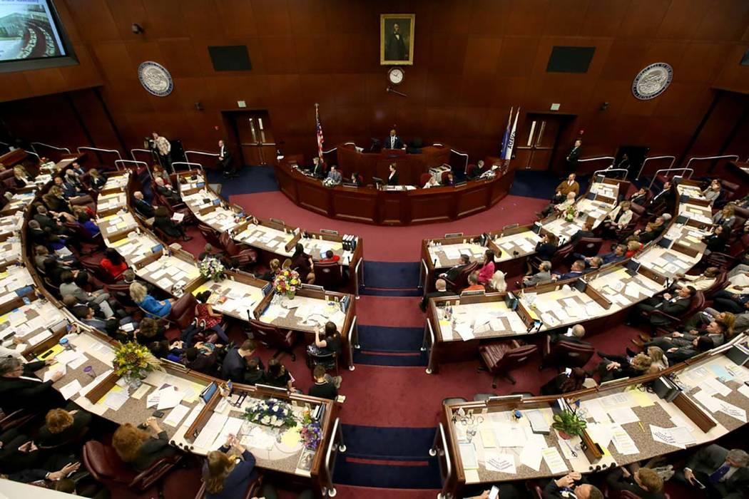 El orador Jason Frierson, D-Las Vegas, preside la Asamblea Legislativa en Carson City el primer ...