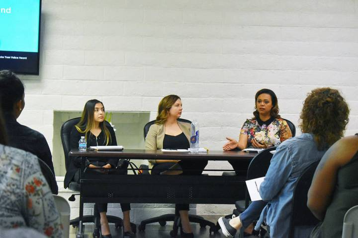 En la foto, desde la izquierda: Melissa Ramos, Electra Skrzydlewski y Serena Evans, explicaron ...