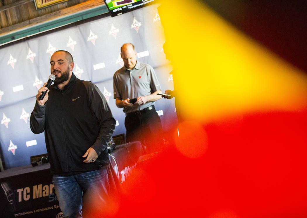 Wayne 'Big D' Danielson habla durante una fiesta de vigilancia para el draft de la WNBA en Mill ...
