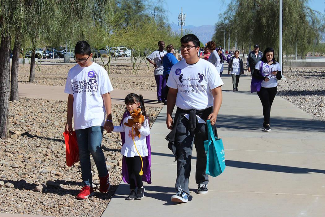 La organización March of Dimes, organiza la caminata por los bebes. Sábado 13 de abril de 201 ...