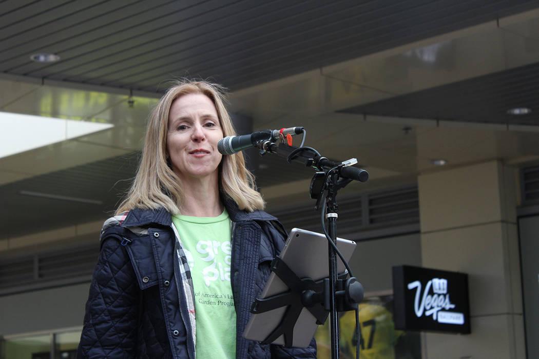 Kiara Byrne, fundadora de Green Our Planet, dijo que son 165 escuelas en Nevada en el proyecto. ...