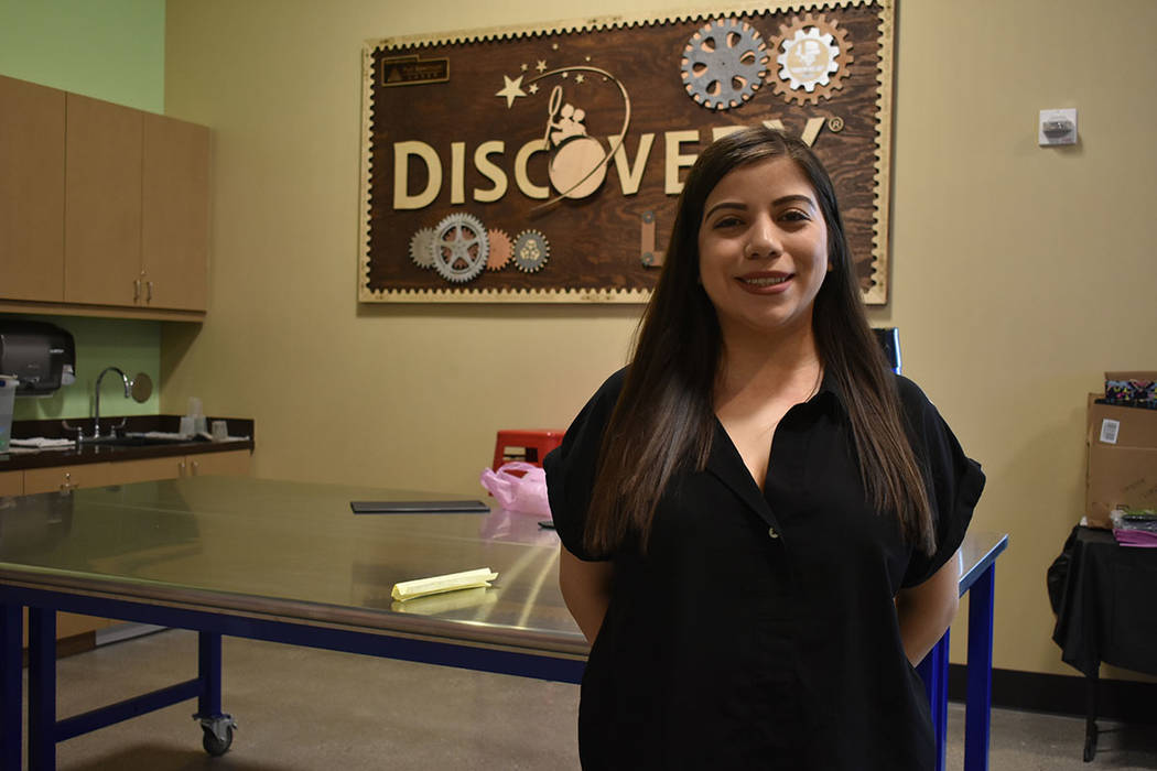 La presentadora del Discovery Children's Museum, Ashley Valenzuela, dijo que las impresoras 3 ...