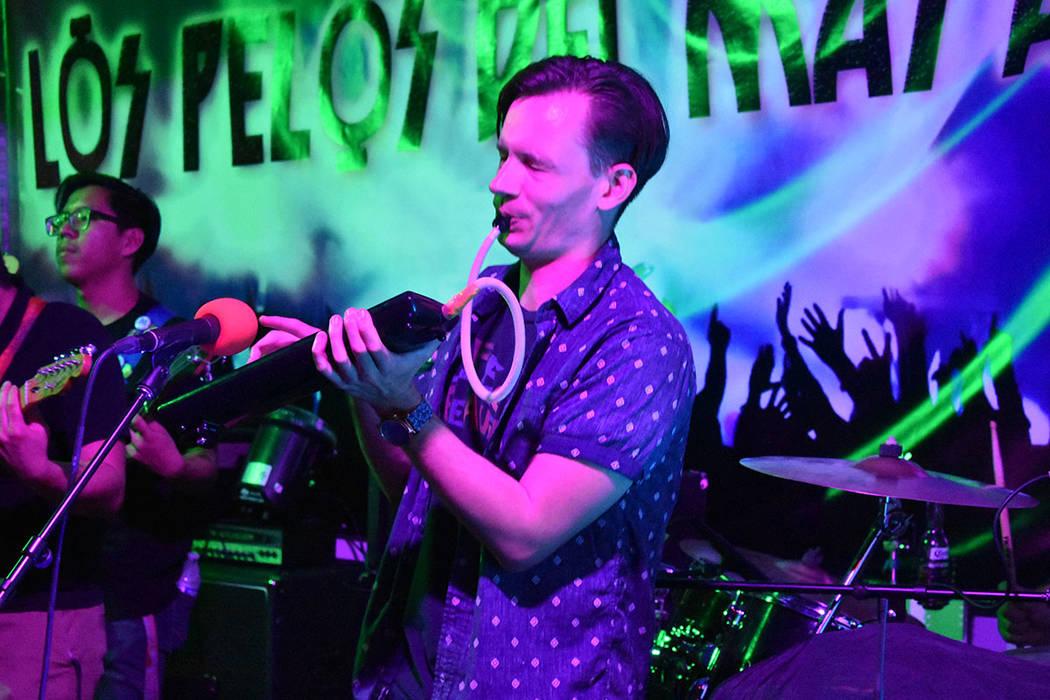 'Stop on Green' deleitó al público con canciones de su propia autoría y una novedosa pro ...