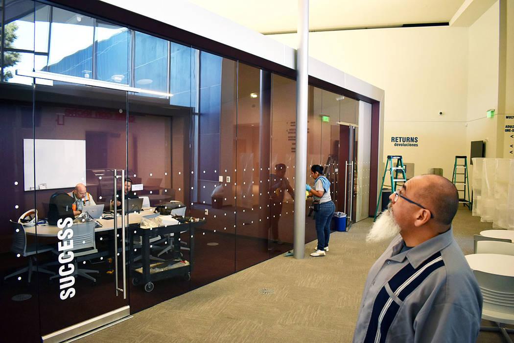 """Tres salas para estudiar """"Think Tank"""". Lunes 22 de abril de 2019 en La Biblioteca East Las ..."""