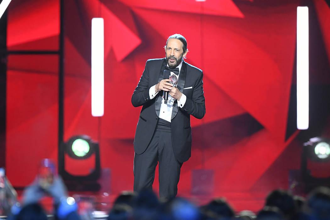 Juan Luis Guerra fue homenajeado por sus 35 años de carrera artística. Jueves 25 de abril de ...