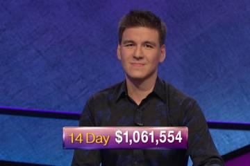 Con un total acumulado de $1,275,587 hasta el viernes, James Holzhauer de Las Vegas ha dominado ...